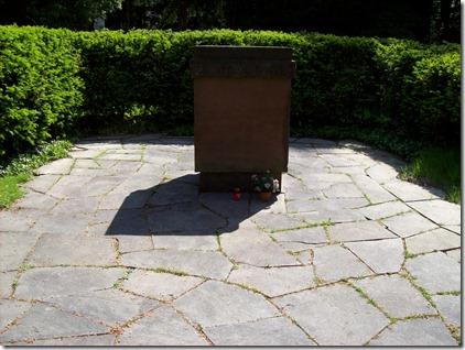 Gedenkstein an die Ermordung sowjetischer Zwangsarbeiter