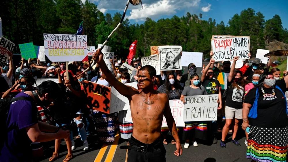 lakota_7_2020_blockade-1
